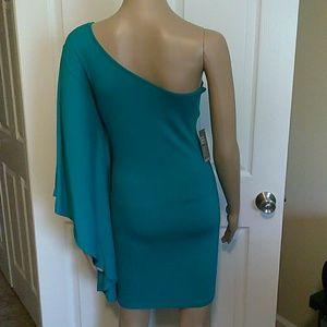 Express Dresses - Green one shoulder Express mini dress